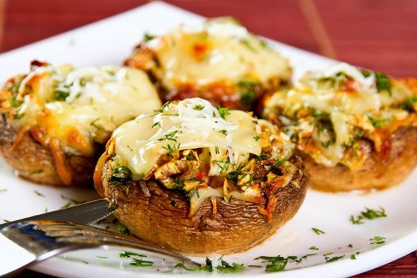 ciuperci taiate la cuptor